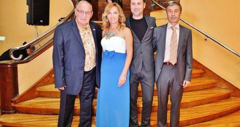 Легендарният футболен треньор Димитър Пенев и Пламен Марков предизвикаха фурор с появата си на церемонията за LIFESTYLE Оскарите