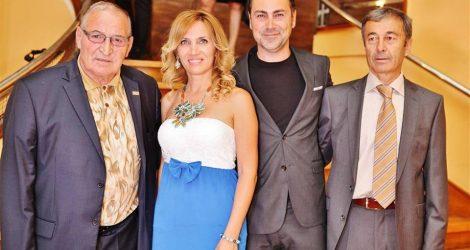Ръководството на ЦСКА, начело с Димитър Пенев и Пламен Марков, получи награда от церемонията за LIFESTYLE Оскарите в Гранд хотел България